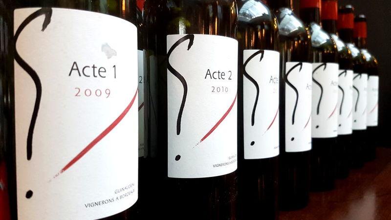 Acte bottles